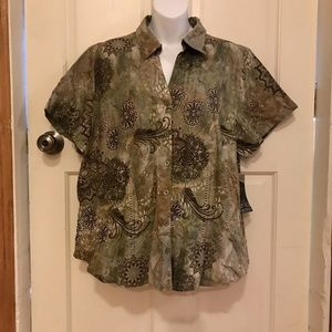 erika Women's buttons down top 1X